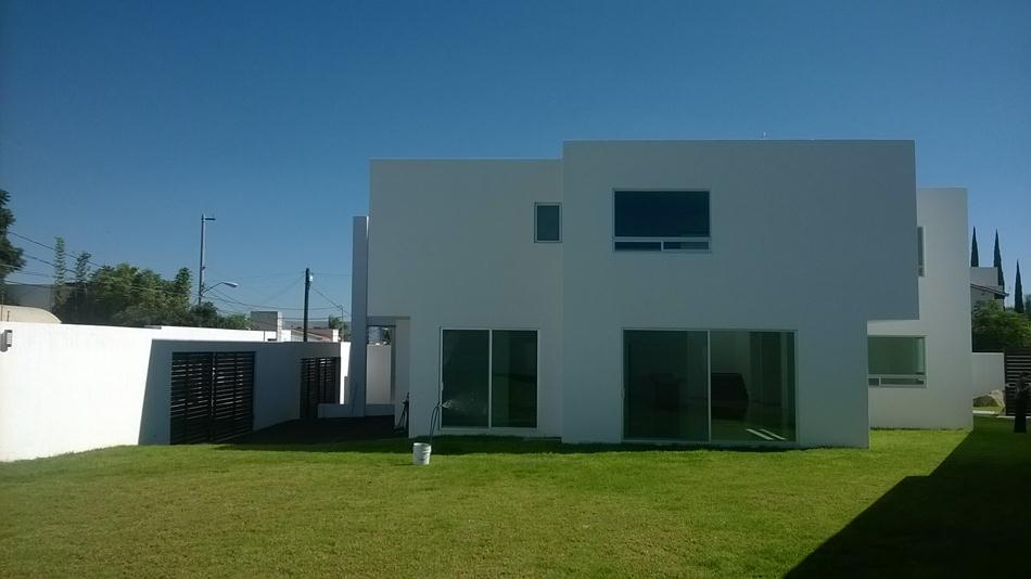 Casa en venta juriquilla queretaro 7 100 for Casas modernas juriquilla queretaro